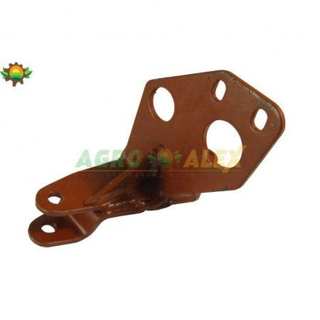 Wspornik alternatora górny MF-3/4 Ursus UR385032-18383 > Osprzęt silnika > MF3 i pochodne